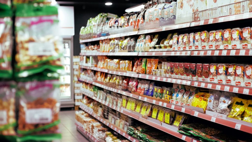 healthy snacks on grocery store shelves